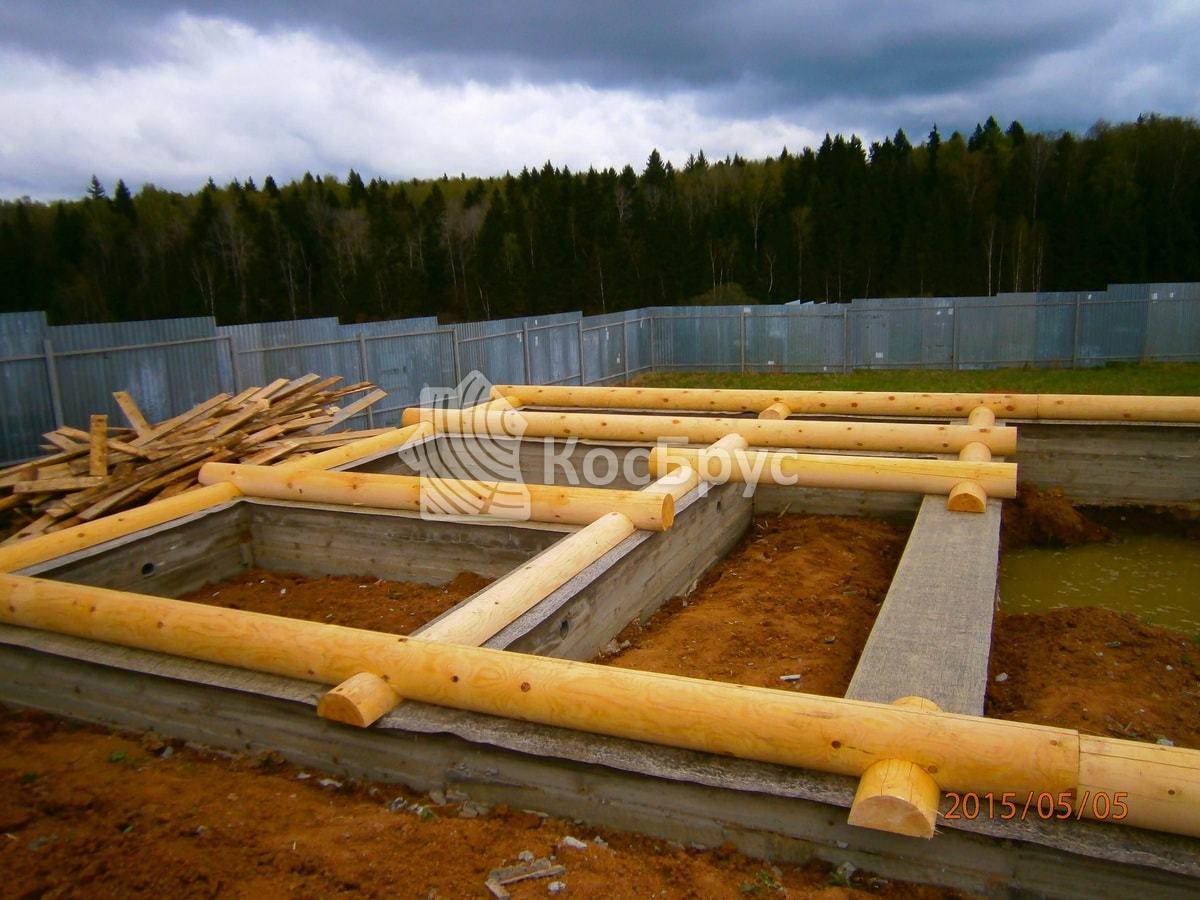 Строительство гостевого дома бани из оцилиндрованного бревна Д240 мм в Пушкинском районе Московской области д. Хилово
