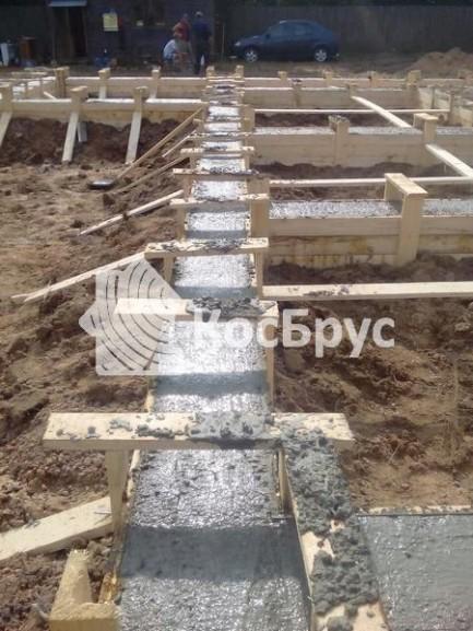 Заливка фундамента под дом из бруса
